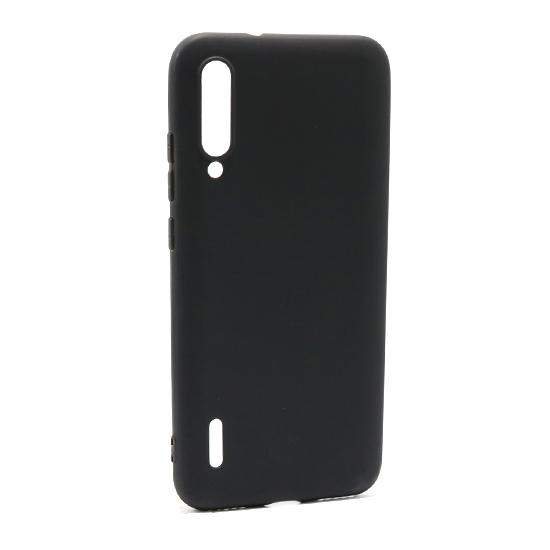 Futrole Comicell su ultra tanke futrole napravljene od kvalitetnog silikona u crnoj boji. Futrole štite telefon od grebanja,udaraca,prašine i imaju otvor za kameru,punjač. Namenski su pravljene za ovaj model telefona.